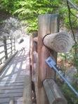Passerelle en bois rond